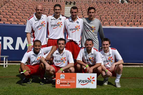 "L'équipe de Yoplait au tournoi de football ""But en Or"""